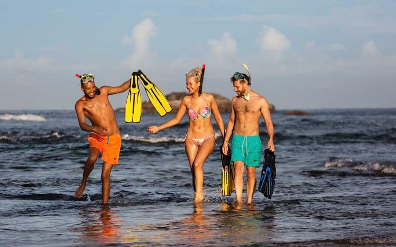Hikkaduwa Beach Sri Lanka,  Narigama Beach, surfing hikkaduwa