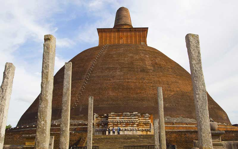 cycling in Anuradhapura Sri Lanka | Anuradapura by bike