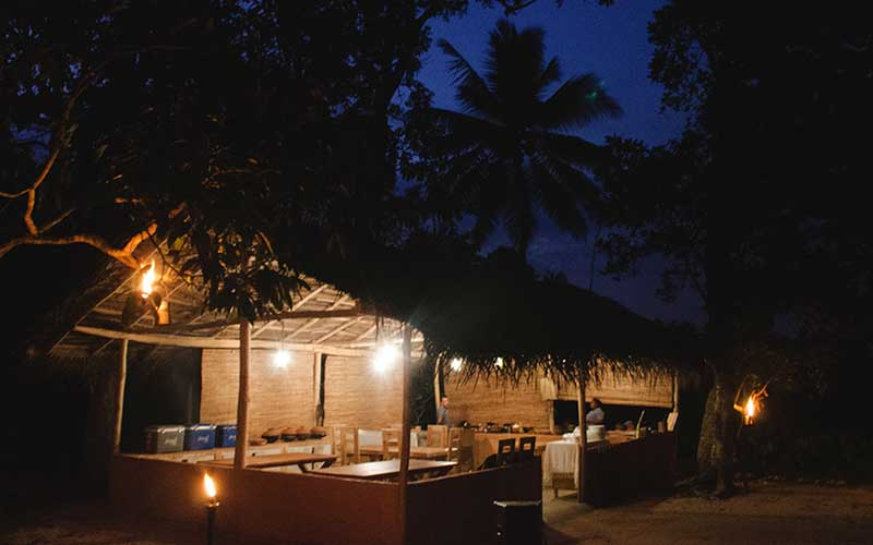 Evening mud hut dining near Galle