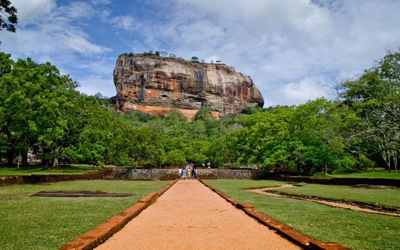 Climb Sigiriya Rock Fortress, Climbing Sigiriya Rock