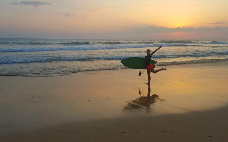 Surfing in Hikkaduwa, The best spot for surfing in Hikkaduwa
