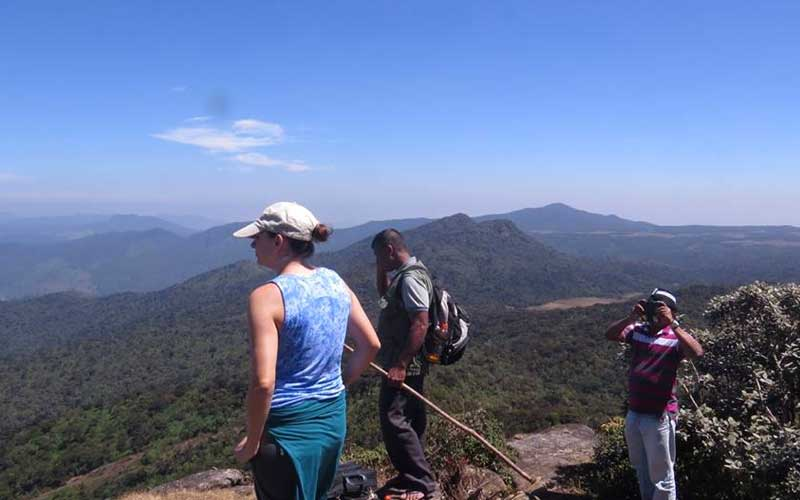 Trekking to Kirigalpoththa Mountain via Horton Plains